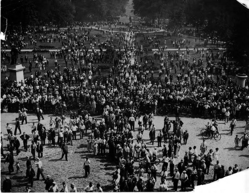 Queens Park demo 1935.jpg