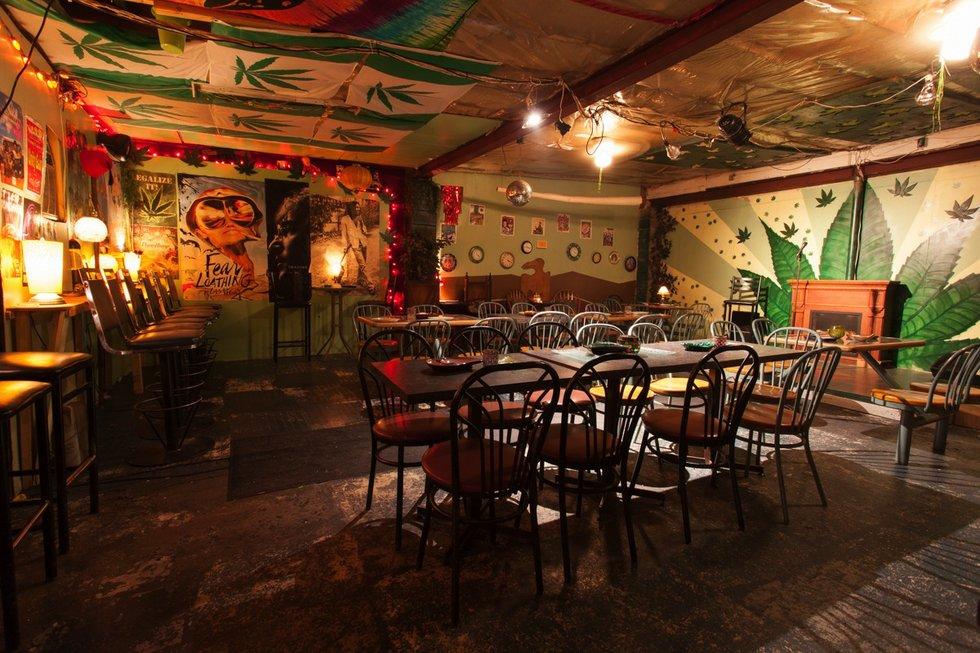 Underground Cafe_3516_web.jpg