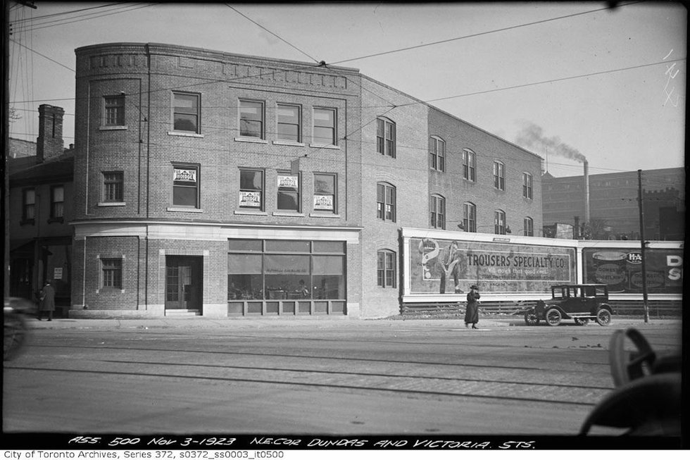 38-40 Dundas West circa 1923 (Powell Chemical Building).jpg