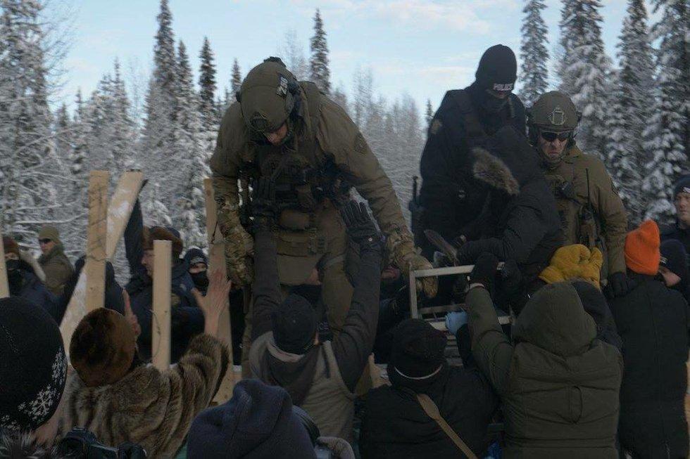 Arrests by police Unistoten camp 3.jpg