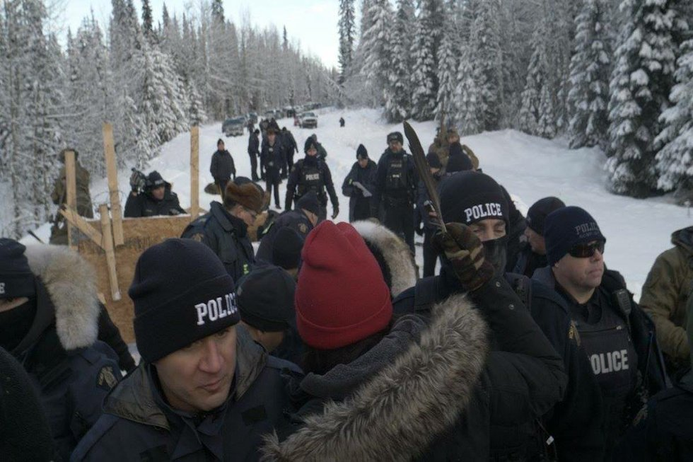 Arrests by police at Unistoten camp January 7, 2019.jpg