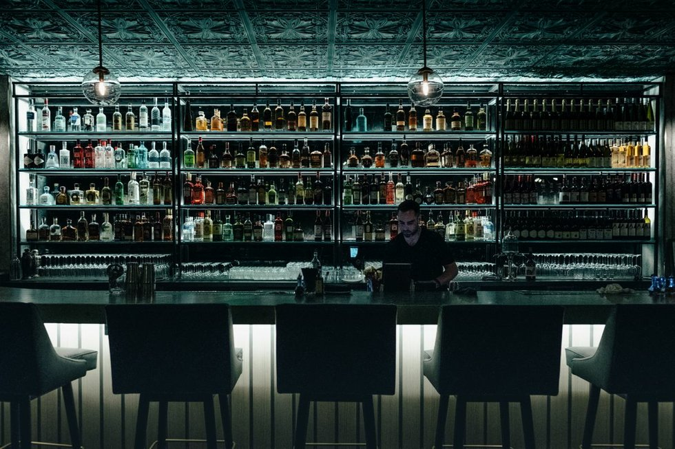 Founder Bar 1.jpg