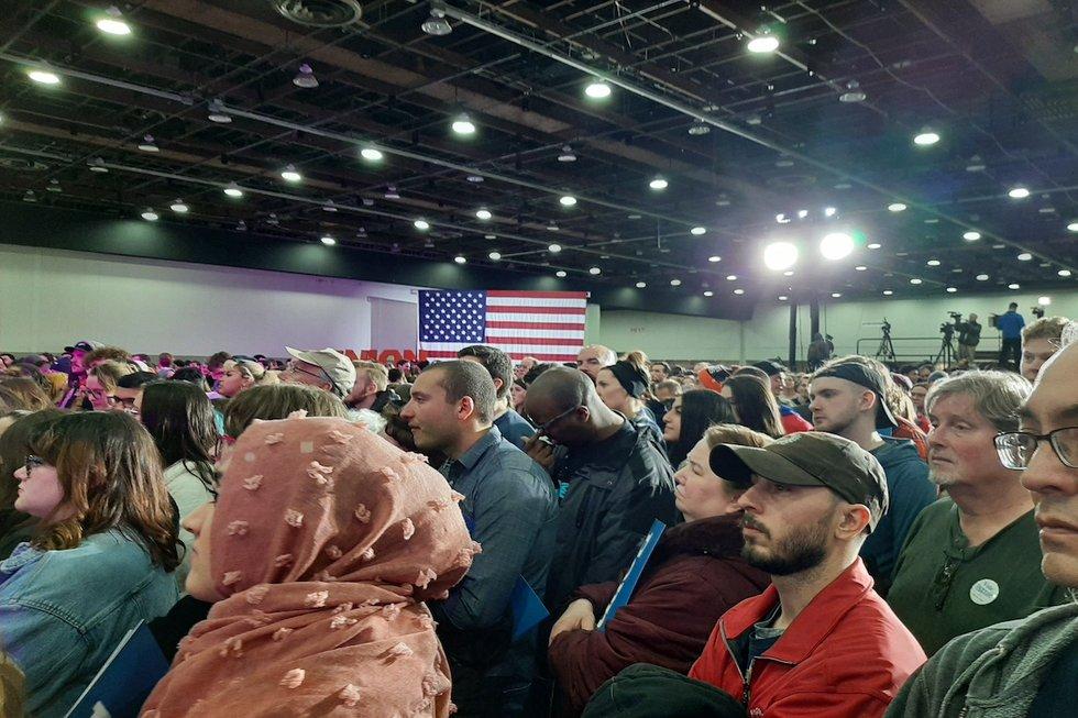 Sanders Detroit rally crowd 1.jpg