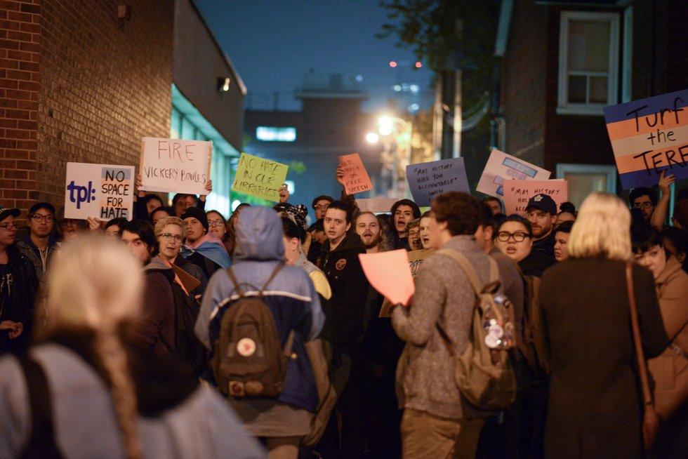 toronto library protest 8908.jpg