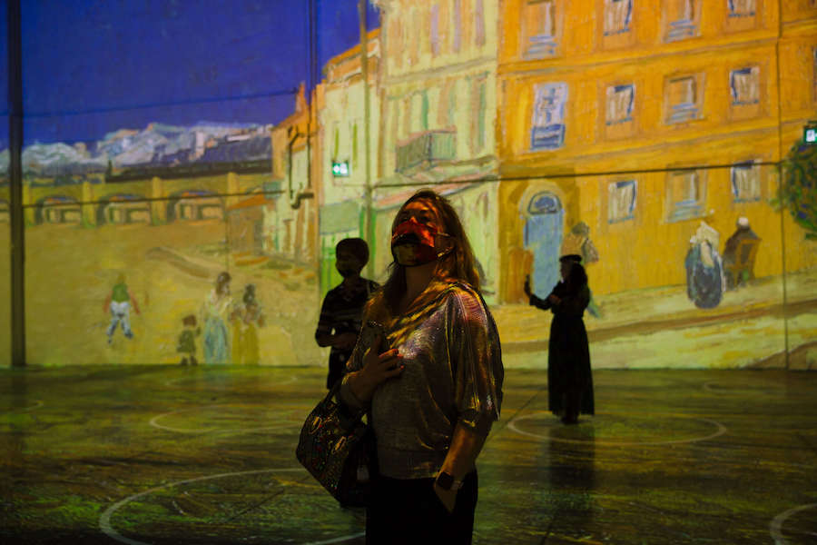 A photo of the experiential art show Immersive van Gogh in Toronto